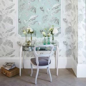 Harlequin-Palmetto-Amborella-wallpaper-chair-and-table