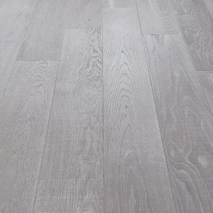 loire_emotions_grey_14mm_oak_sawcut_matt_lacquered_click_engineered_flooring_pefc_lifestyle_2