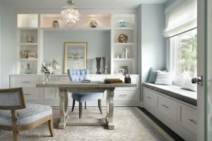 update-your-office-with-a-new-desk.JPG-550x0A statement-making desk, like this one by Jennifer Pacca interiors, is the centerpiece of any home office